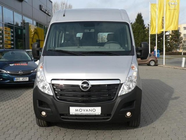 Opel Movano front
