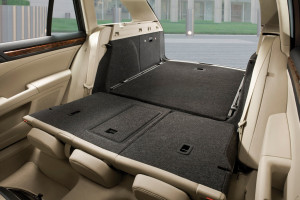 Skoda-Superb_Combi-2010-trunk