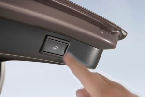 Skoda-Superb_Combi-2010-trunk_2