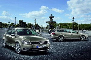 Volkswagen-Passat_Estate-2011