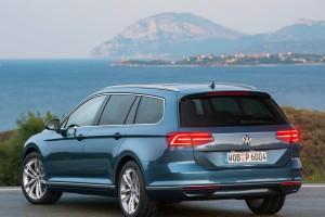 Volkswagen-Passat_Variant-2015-LZ