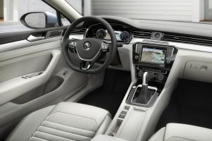 Volkswagen-Passat_Variant-2015-interieur