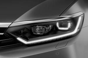 Volkswagen-Passat_Variant-2015-světlo