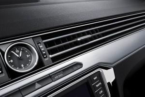 Volkswagen-Passat_Variant-2015-watch